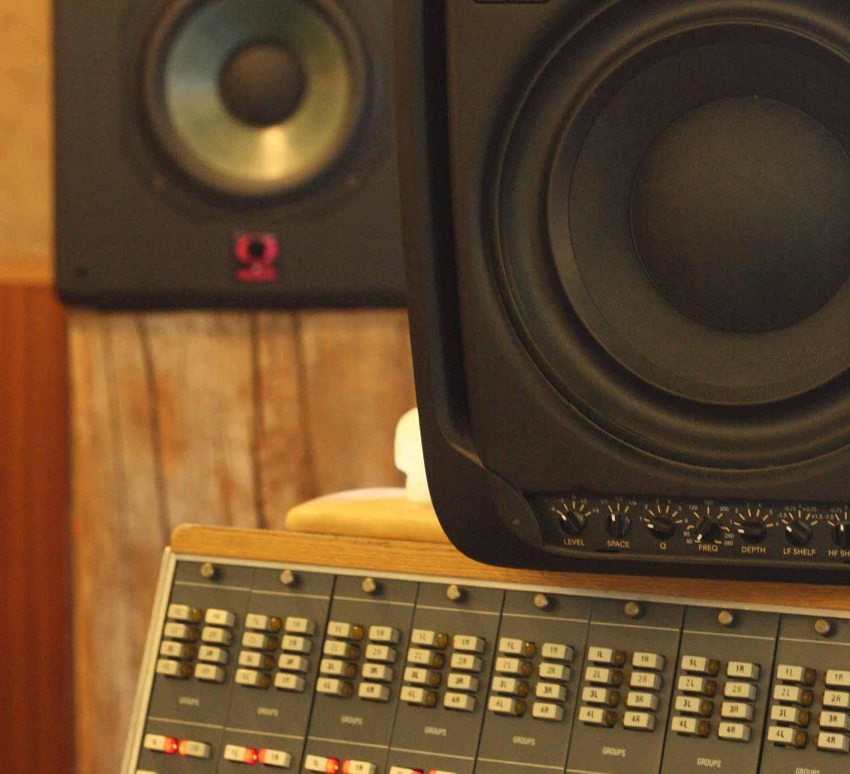 speakers-resized